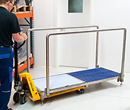 No power supply, no water supply, no wastewater supply needed. This makes the StepGate system ideal for various applications. The fluid is conveniently drained via a ball valve. Moreover Stepgate is mobile due to forklift pick up which makes cleaning very easy.